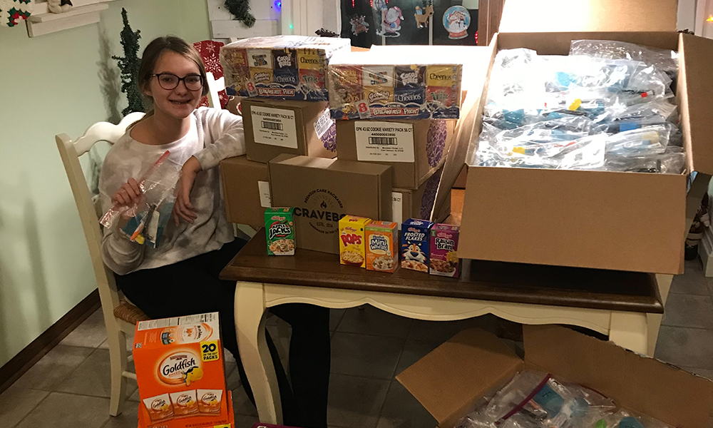 Anna Bibly - Teenager helps the homeless
