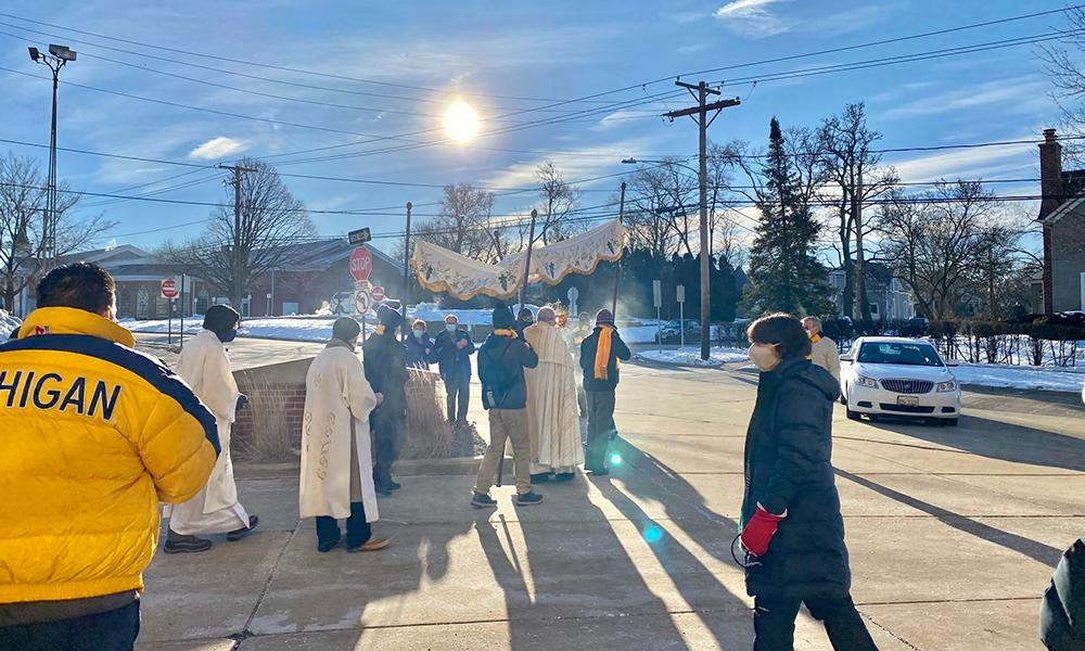 Diocese of Joliet Holds Two Eucharistic Processions to Share a Culture of Life Witness