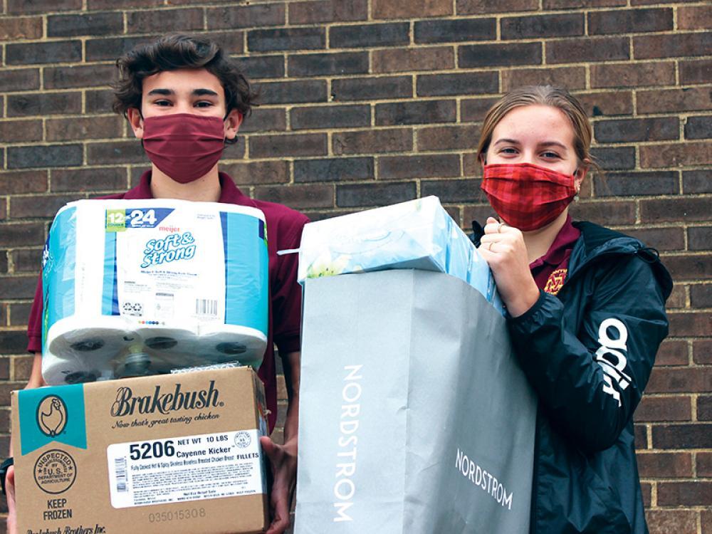 Montini Catholic Peer Ministers Reach Out to Neighbors in Need